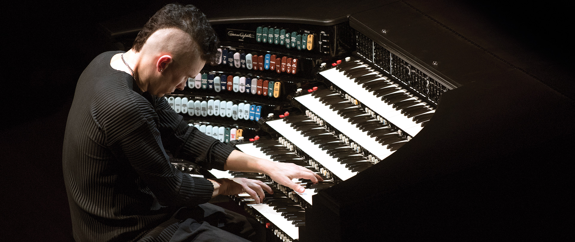 Cameron Carpenter with his International Touring Organ
